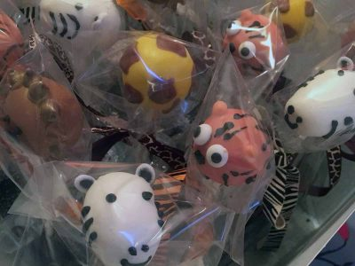 animal-head-candy-on-a-stick